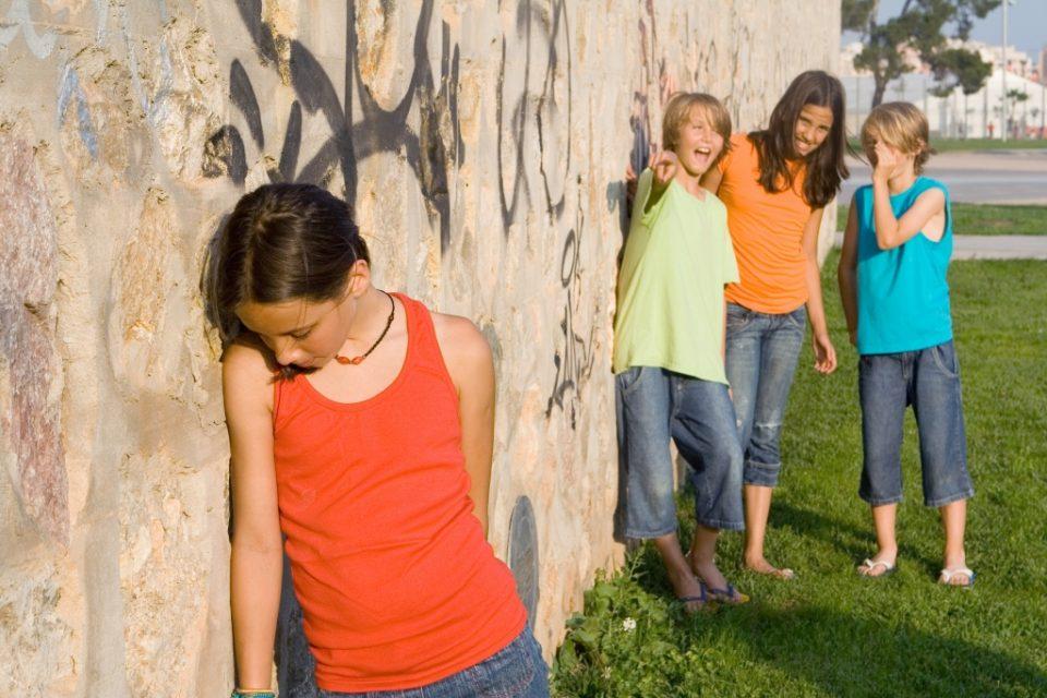 Yolande van der Westhuizen Audiology - children-bullies-problem, hearing test